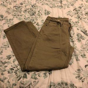 Levi's • khaki jeans